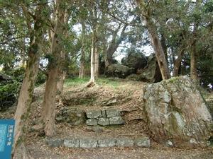 河瀬王子跡の巨石