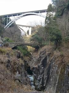 橋が重なる