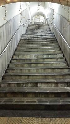湯西川温泉駅,ホームから地上への階段