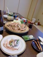 カニ鍋の具と焼きガニ