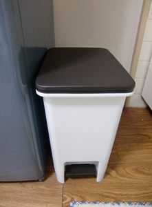 新しいゴミ箱