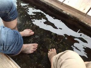 勝浦駅前の足湯