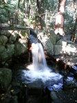椿岸時神社の滝